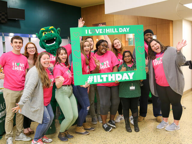 Student Alumni Council pose for I love the hill day