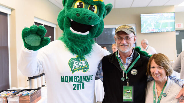 McDaniel College mascot with Randy Day '77
