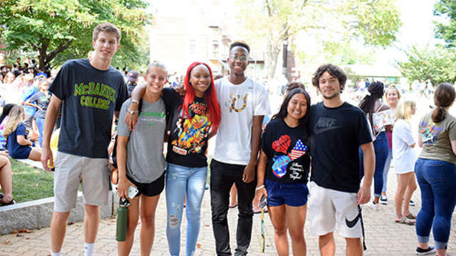 McDaniel College first year students arrive on campus